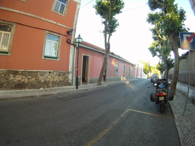 Rua Julio Moreira nº 10C Carcavelos. StreetView