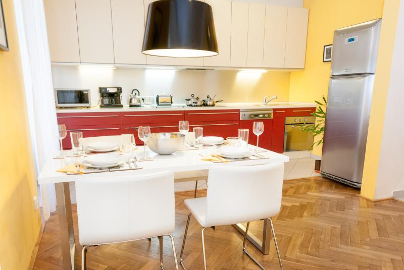 Modern Apartment - Prague Centre, holiday rental in Roztoky