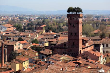 Explore and shop in the stunning walled city of Lucca. Only 30 minutes away from our property.