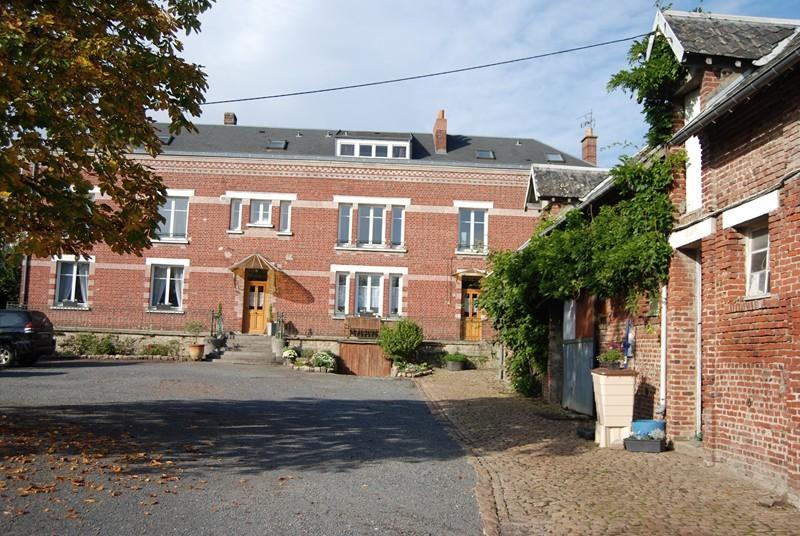 Le Clos Verlaine : B&B A family Suite,, location de vacances à Bullecourt