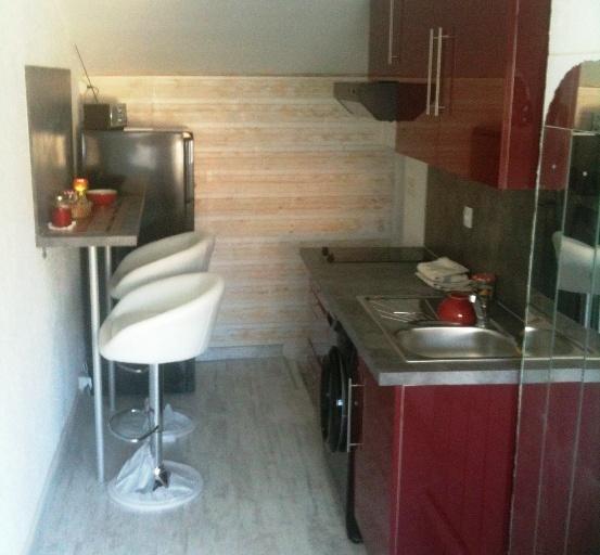 Atypique 30 m2, ' LE MERLOT' Béziers Centre à 15 min plages, holiday rental in Beziers