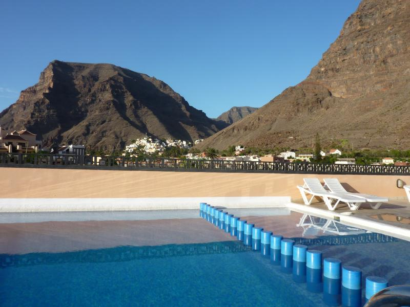 Mountain view from the rooftop swimming pool