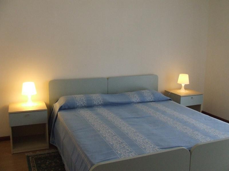 Camera spaziosa con letto doppio e eventuale terzo letto singolo