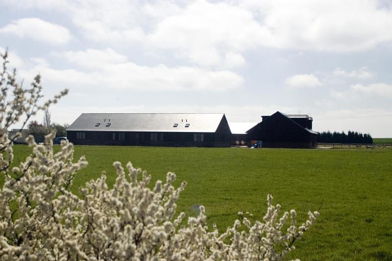 Nuestro complejo de seis cabañas vacacionales está situado en 20 acres de campo de Kent aislado