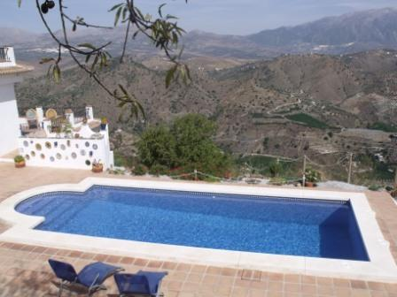 A Pool With A View, One Of The Best In Spain : ONLY £199 NOV- APRIL