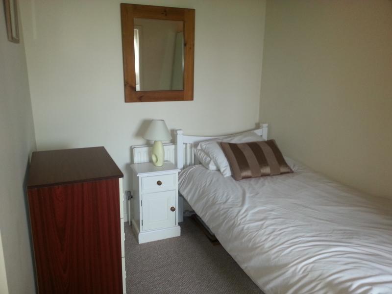 annex off bedroom 2