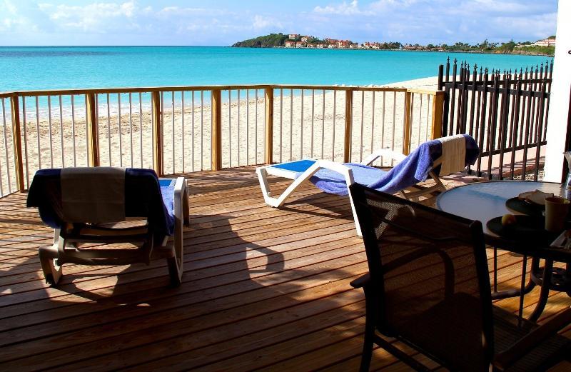 Your private beachfront lanai