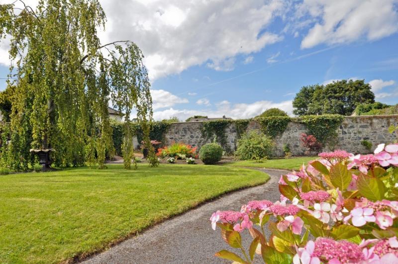 Beautiful formal gardens at Nile Lodge