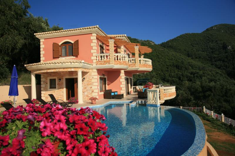 V.I.P Luxury Villa Paradise, vacation rental in Corfu