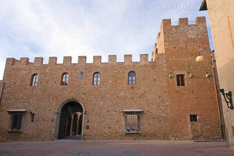 Palazzo Stiozzi Ridolfi dove si trovano i nostri appartamenti