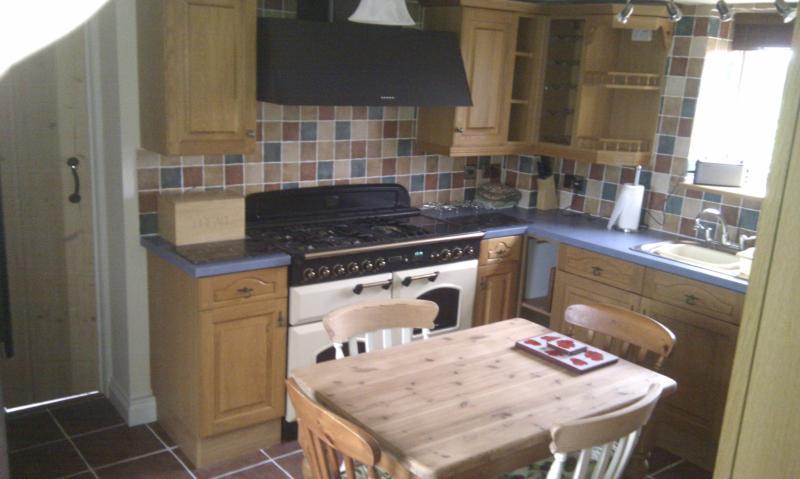 Kitchen with Range Master cooking range