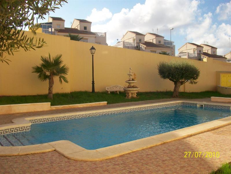 Apartment with pool, location de vacances à San Miguel de Salinas