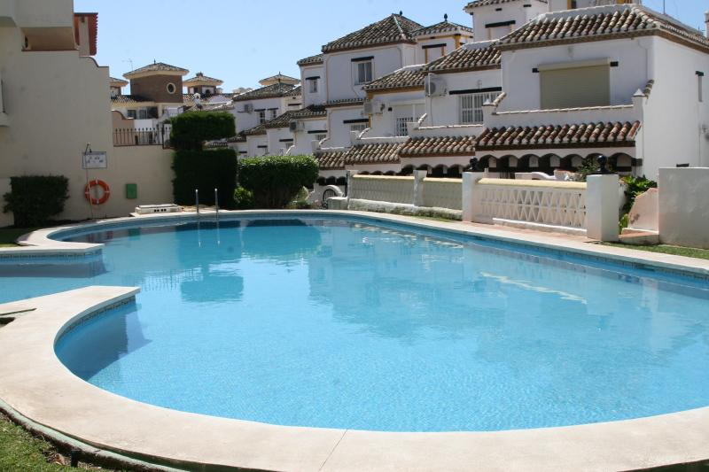 Charming Andalusian townhouse, vacation rental in Sitio de Calahonda