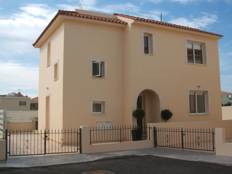 Large Villa with Private Pool and Off Road Parking - all Gated and safe to play