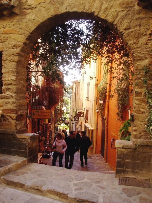 Bormes les Mimosas, hilltop town with great views and restaurants less than 20 minutes drive