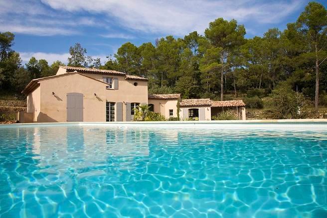 Vue maison depuis la piscine