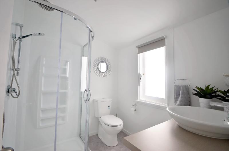 main bathroom upstairs