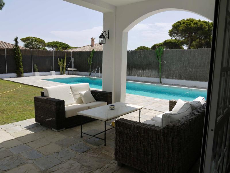 Villa with private pool in Roche, Conil, Cadiz, holiday rental in Conil de la Frontera