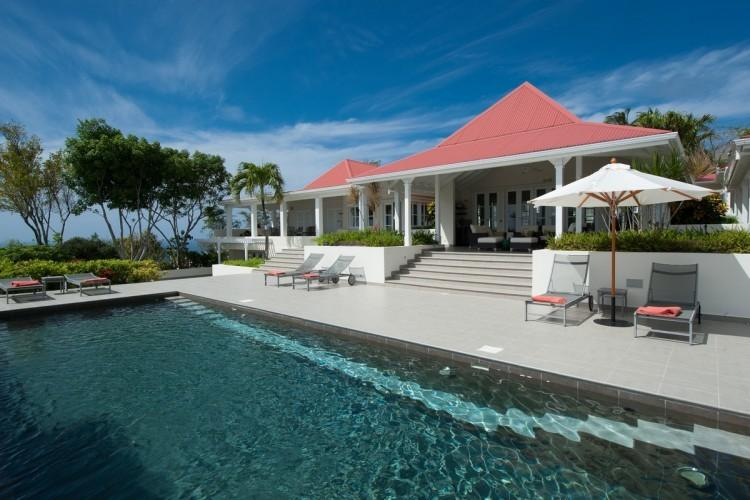 Belle Bague - Stunning Sea Views - 4 Bedroom, holiday rental in Colombier
