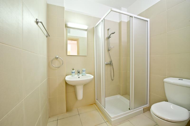 Salle de bain en appartement 103