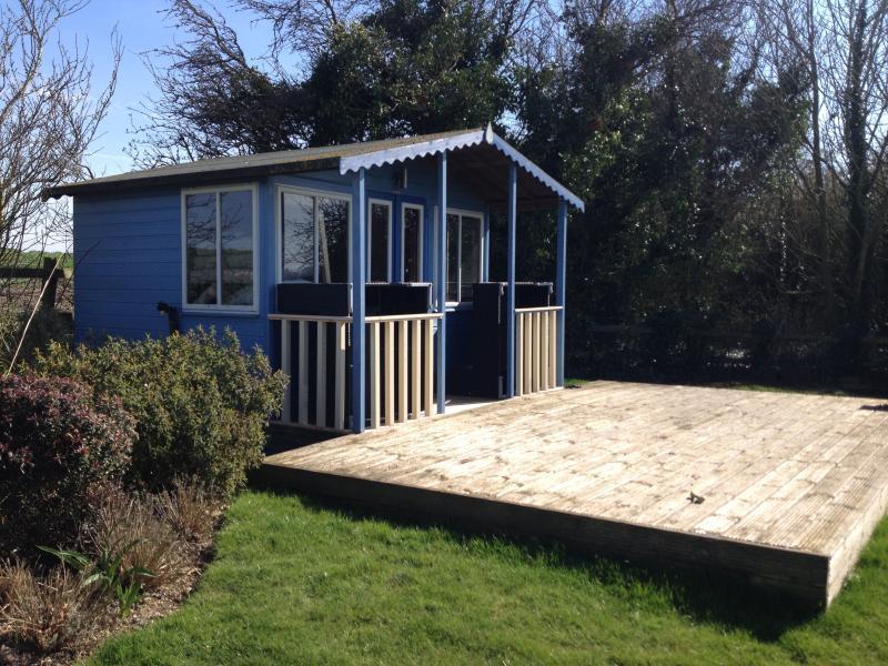 summerhouse & deck