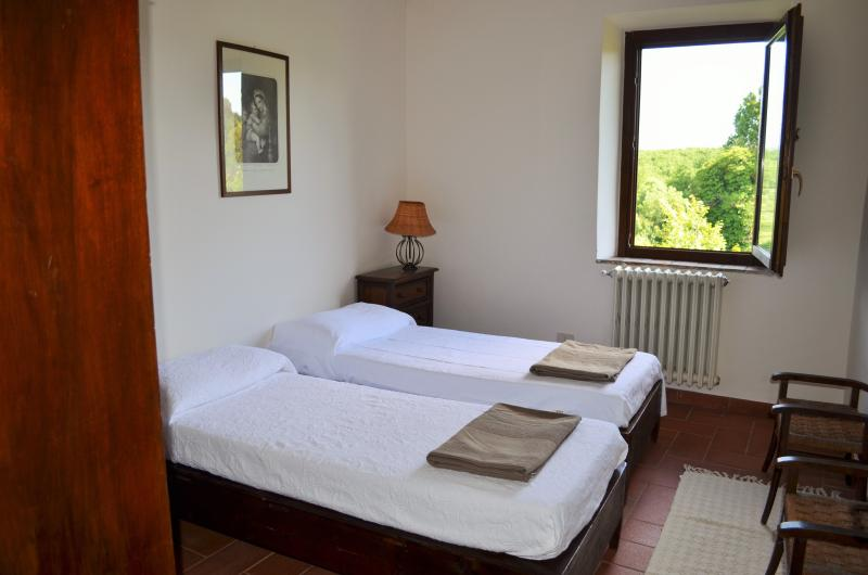 double panoramic bedroom (2)