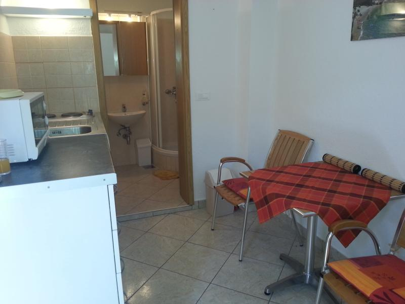 Studio Apartment B, holiday rental in Vis