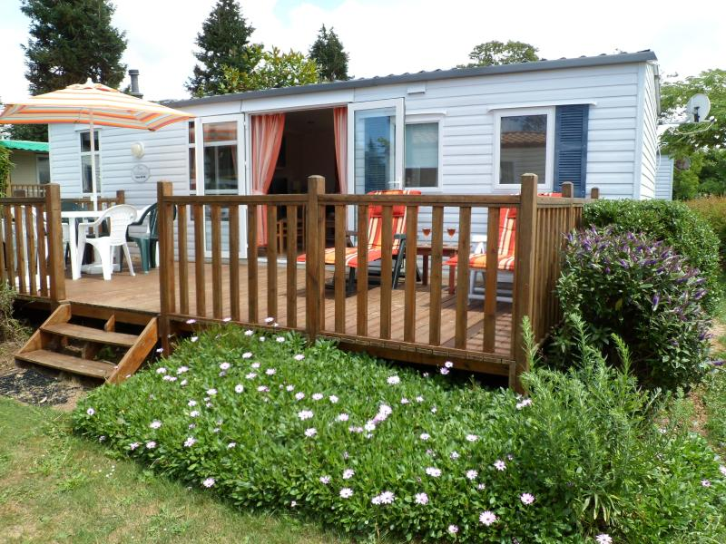 West facing decking with all day sunshine