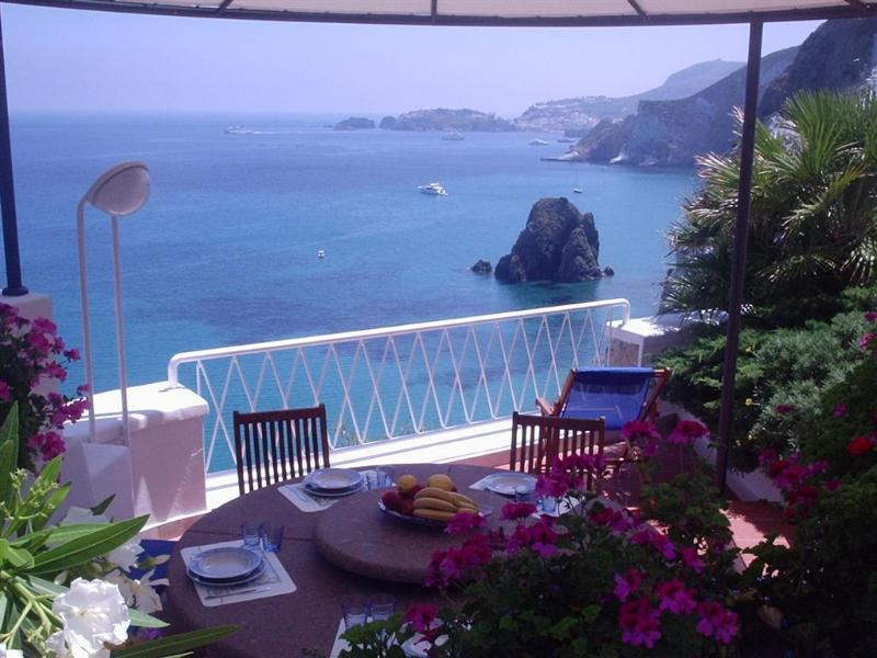 Tavolo da pranzo con vista