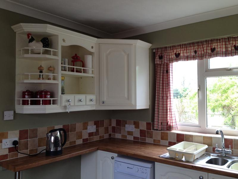 Newly refurbished, with lots of storage space, and dishwasher!
