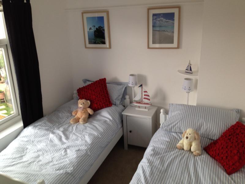 Twin bedroom in coastal style