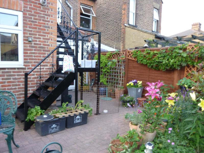 You will have your own private entrance through the garden.