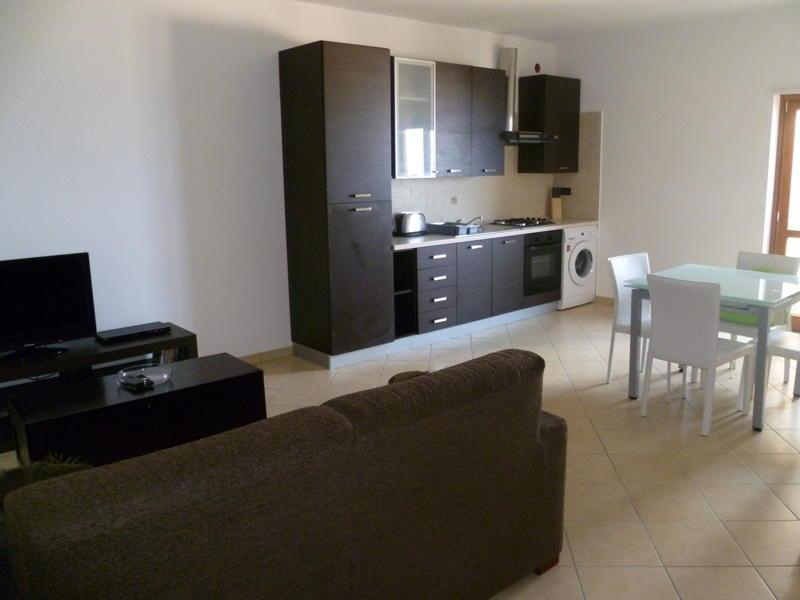 Forth floor apartment in Fioribello, pizzo 33, holiday rental in Arena