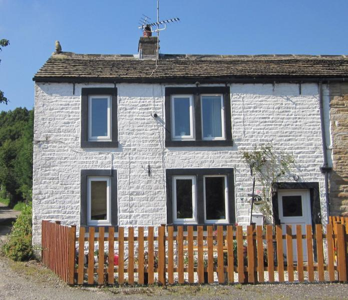 Sparth Cottage, holiday rental in Ripponden