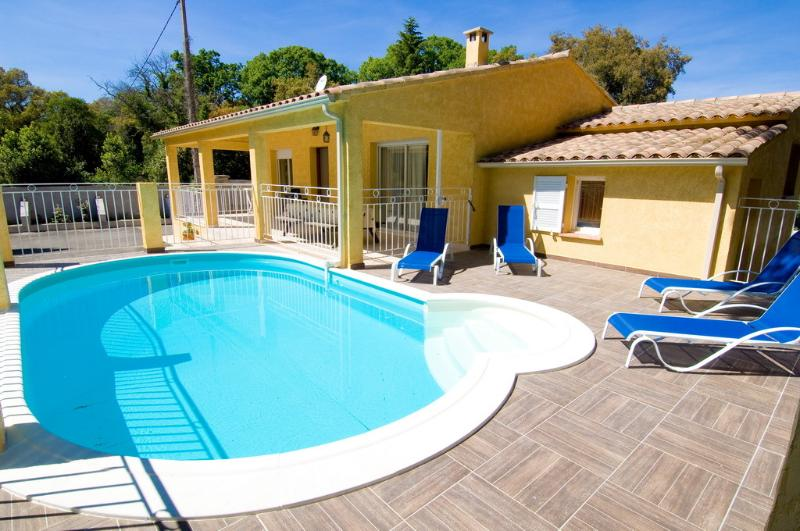 maison piscine privée, holiday rental in Corsica