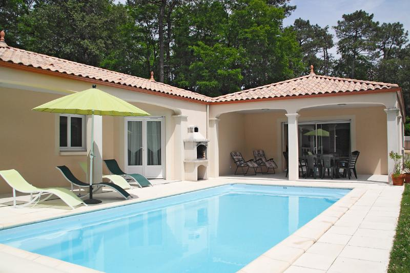 Comfortable villa with private heated pool