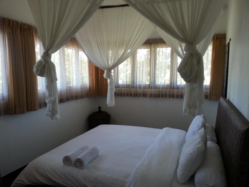 Bedroom 3 and 4 (Queen-size) (AC + Fan/Mosquito Net)