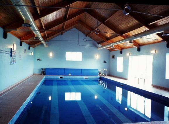 Swimming pool at Quilty Holiday Cottages.