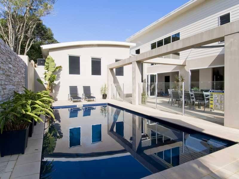 Spectacular courtyard pool