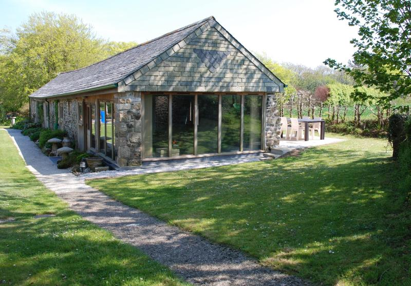 Kerriers Barn, holiday rental in Withiel