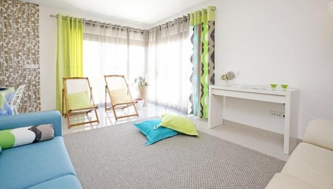 HolidayOnJ - Sitting Room J