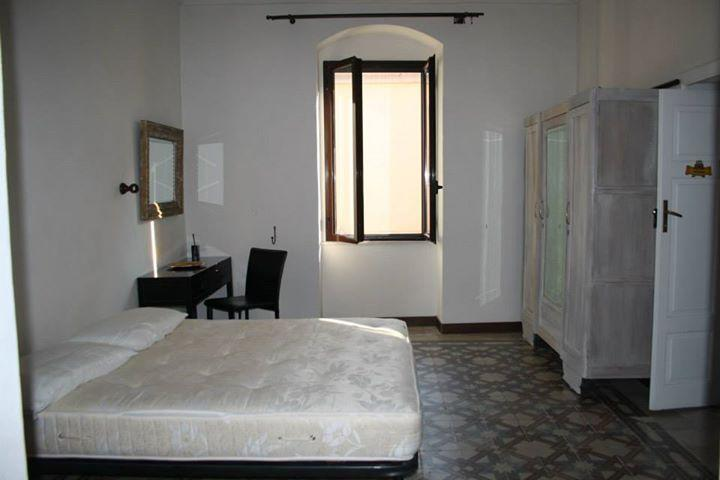 1 floor - bedroom/ 1 piano camera da letto