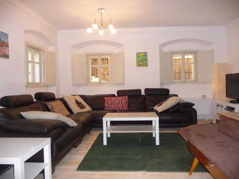 Sala de estar, con TV de pantalla plana y conexión wi-fi