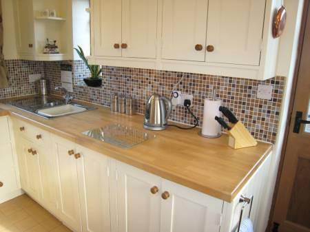 Modern Hand Crafted Kitchen, fully equipped