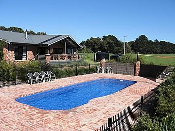 Group Lodge / Pool