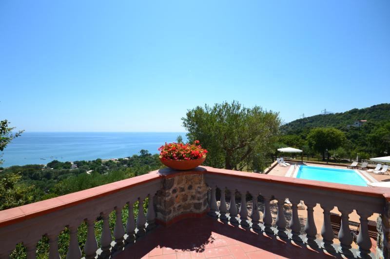 terrazza vista mare, Capri ville in stile, Positano, Costiera amalfitana, villa sul mare di Sorrento