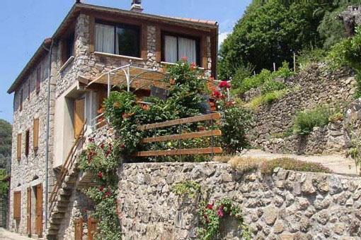 Gite LE PETIT RIOU a Sainte Marguerite Lafigère, holiday rental in Villefort