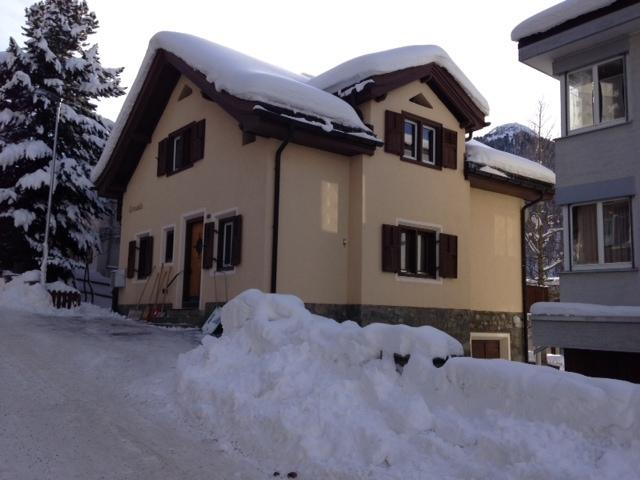 Strassenseite im Winter - street view in Winter