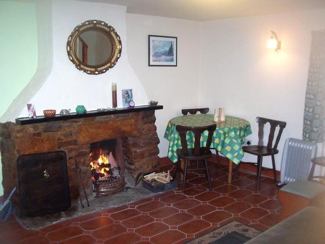 Open Fire in Sit Room. ' bliss ' !