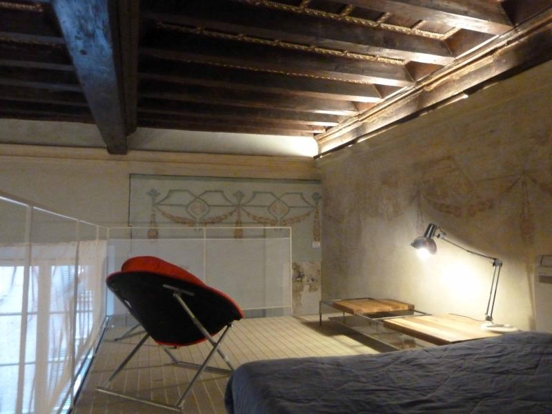 B12 Palazzo Solmi appartamento ℅ Duomo Romanico, vacation rental in Ravarino